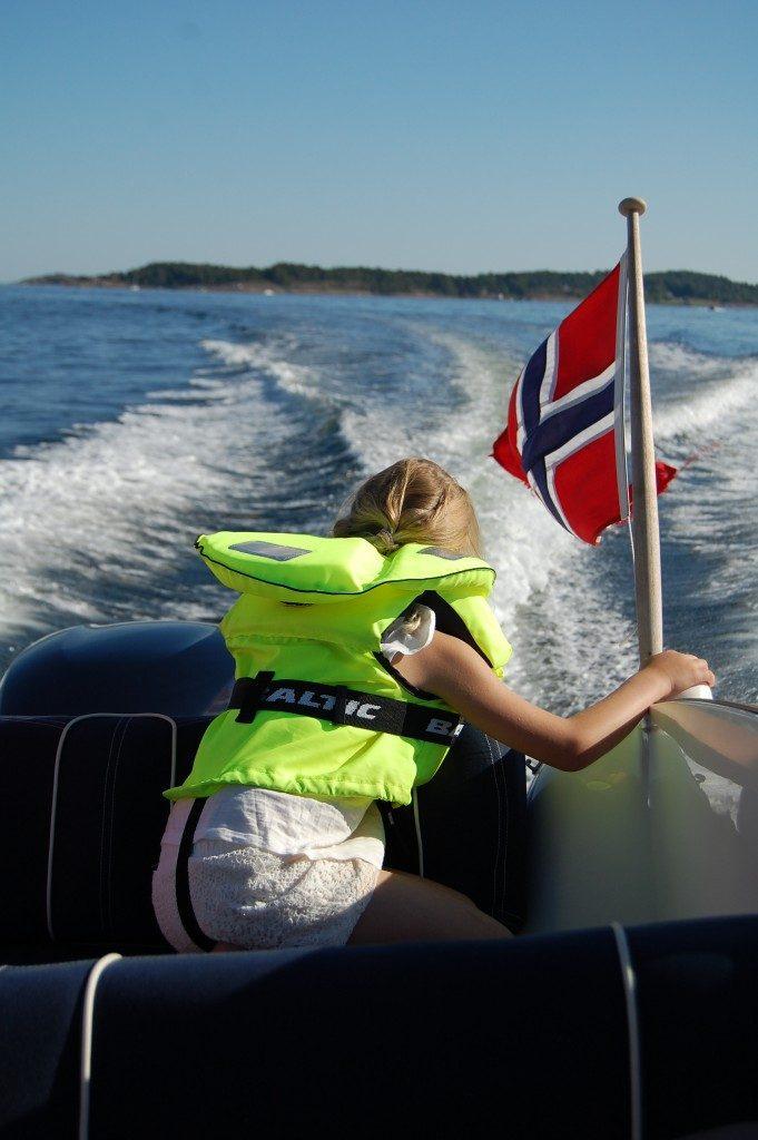 Blank båt med Shiny från Jotun