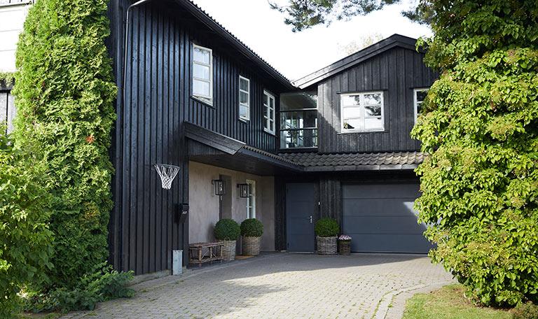 Måla huset i ostadigt väder
