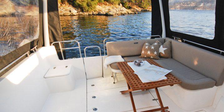 Så rengör och skyddar du textilier ombord