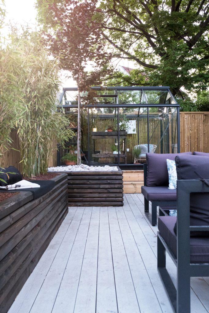 Terrass med växthus