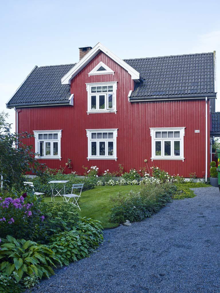 Varma och historiska färger till röda hus